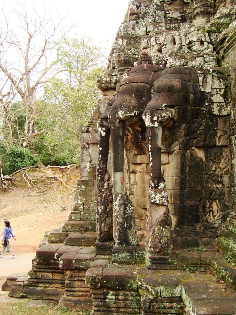 Victory Gate elephants supporting Avalokiteshvara Siem Reap 03