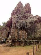 Asisbiz Face tower of the South Gate showing Avalokiteshvara Jan 2010 05