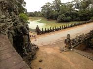 Asisbiz Statues on the bridge leading to South Gate Siem Reap Jan 2010 04
