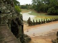 Asisbiz Statues on the bridge leading to South Gate Siem Reap Jan 2010 06