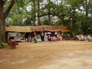 Asisbiz Victory Gate entrance Siem Reap 01