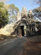 Asisbiz Angkor Wat style architecture Victory Gate Jan 2010 03