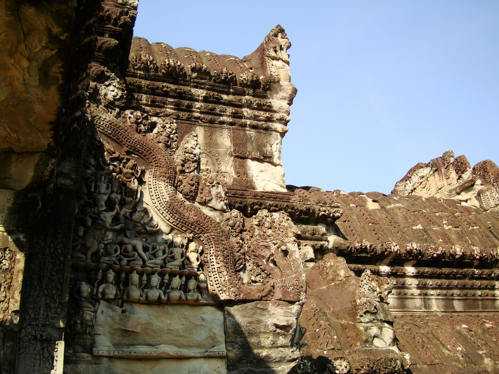 Angkor Wat Khmer architecture eastern gallery entrance 09