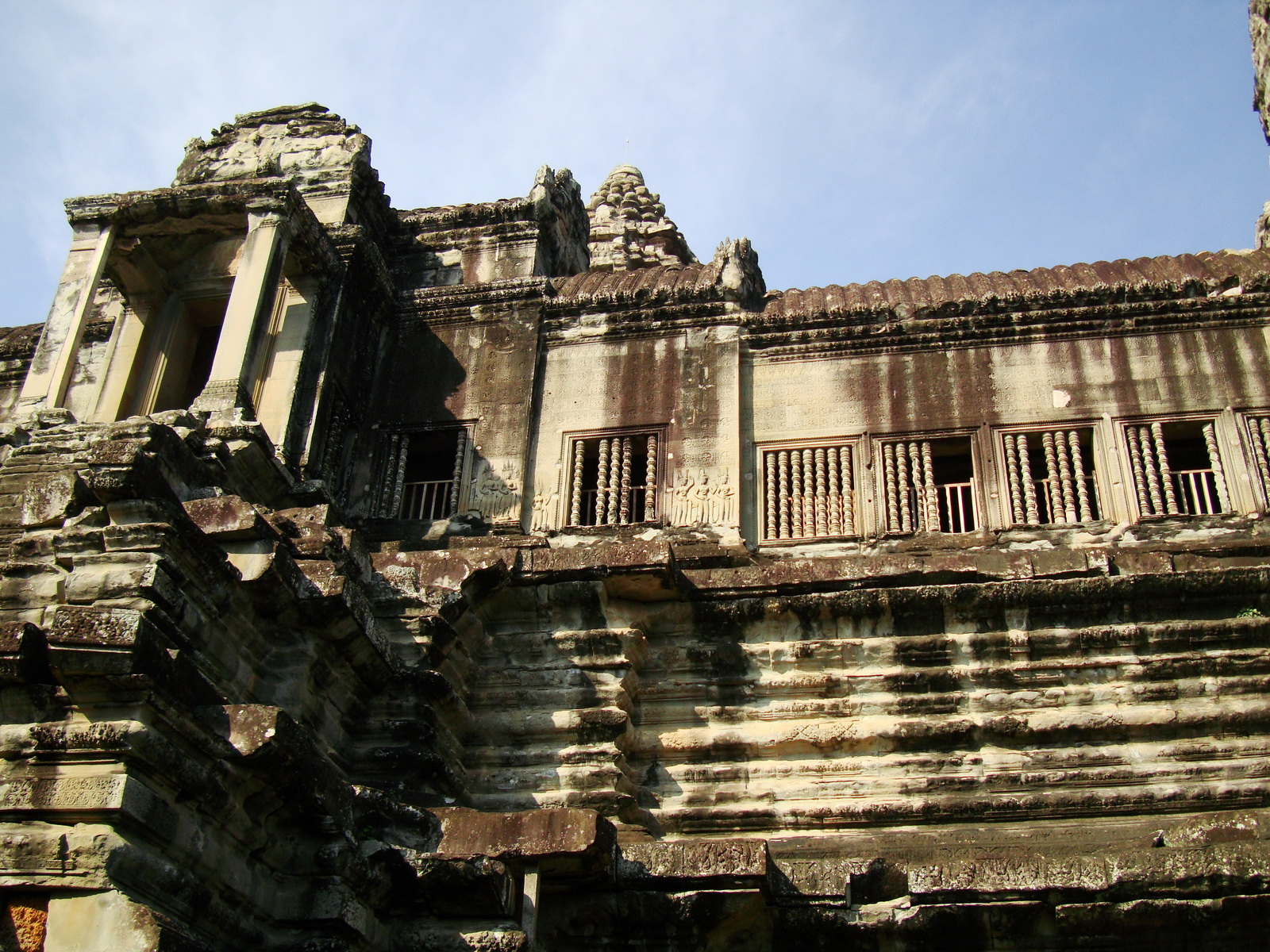 Angkor Wat Khmer architecture inner sanctuary towers 08