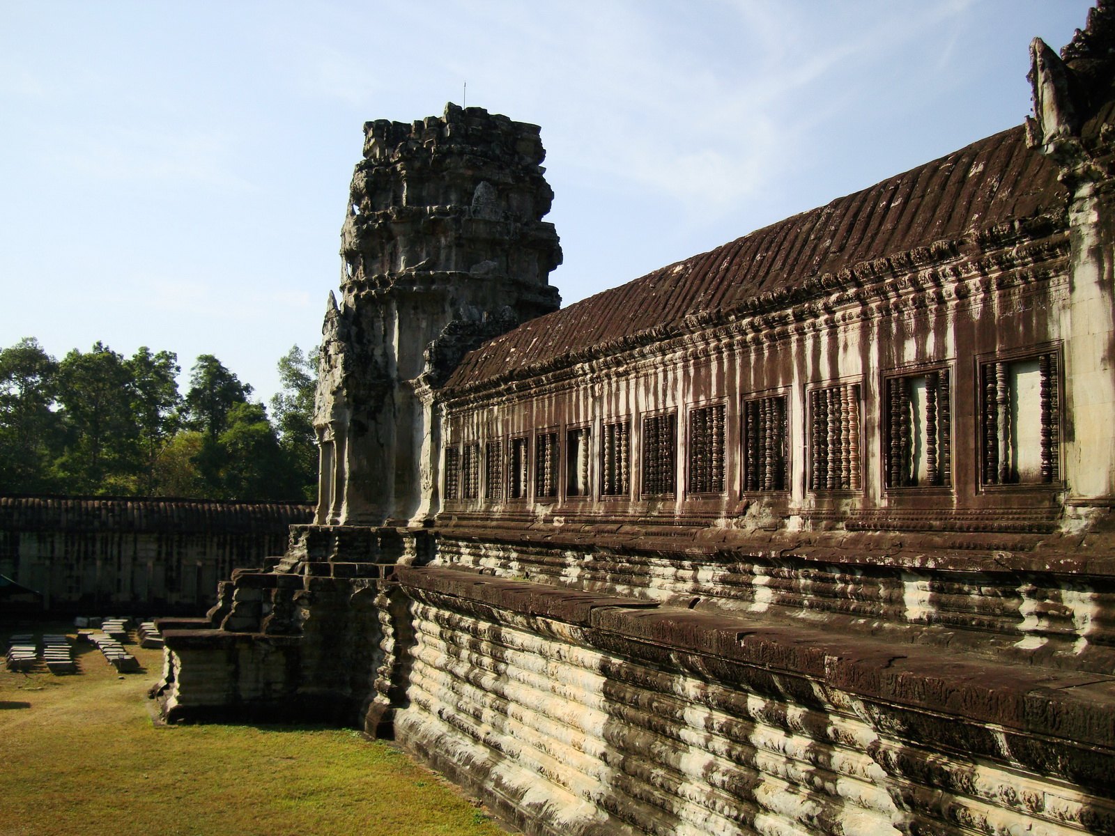 Angkor Wat Khmer architecture internal gallery E entrance 13