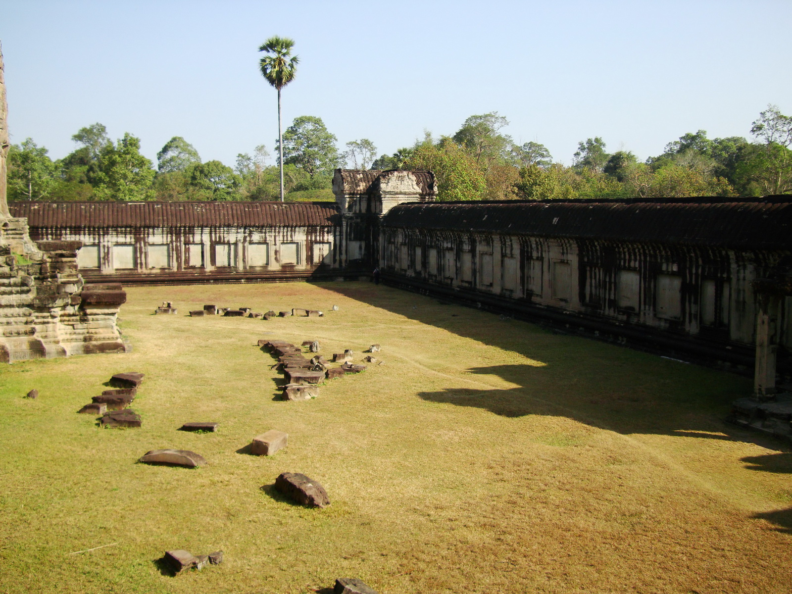 Angkor Wat Khmer architecture internal gallery E entrance 15