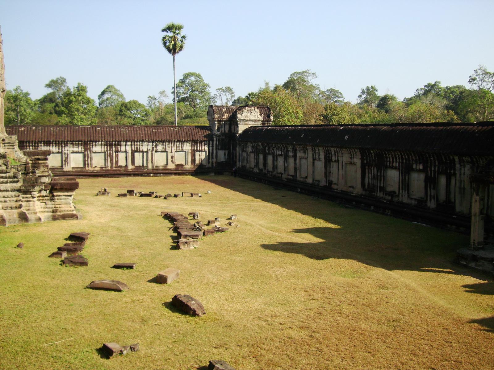 Angkor Wat Khmer architecture internal gallery E entrance 15