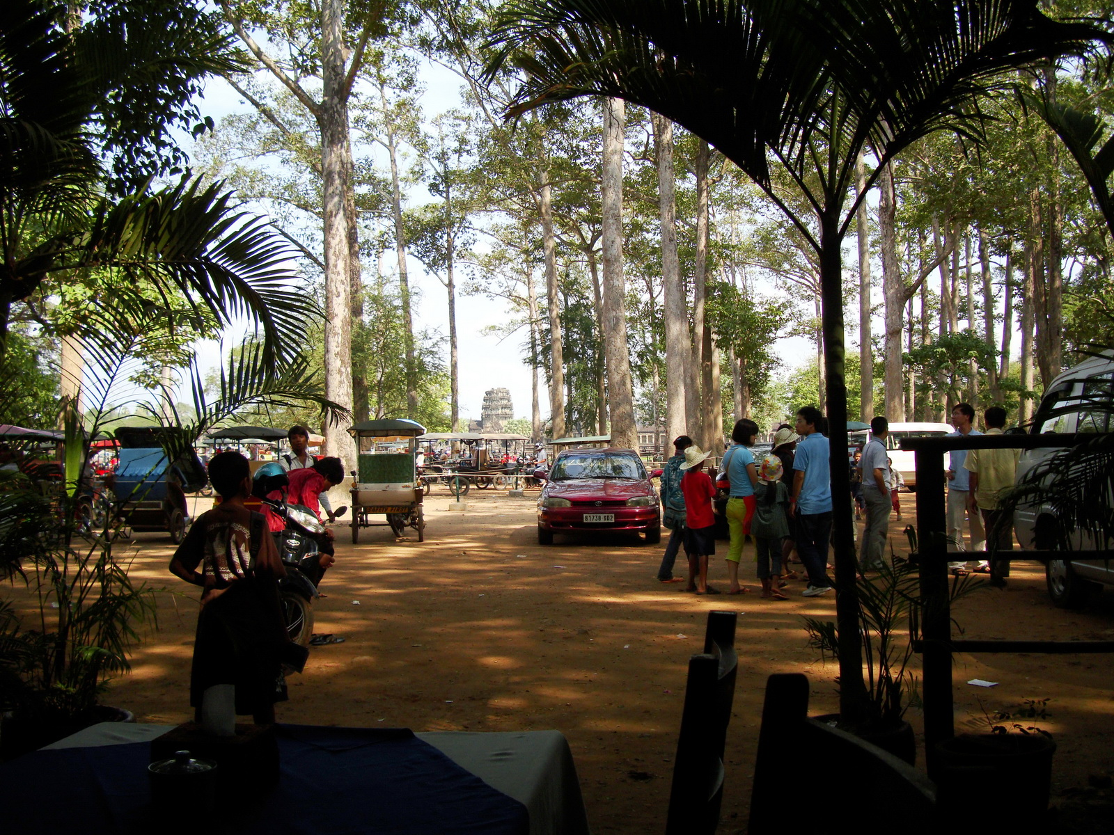 Angkor Wat Western carpark and restaurant area 01