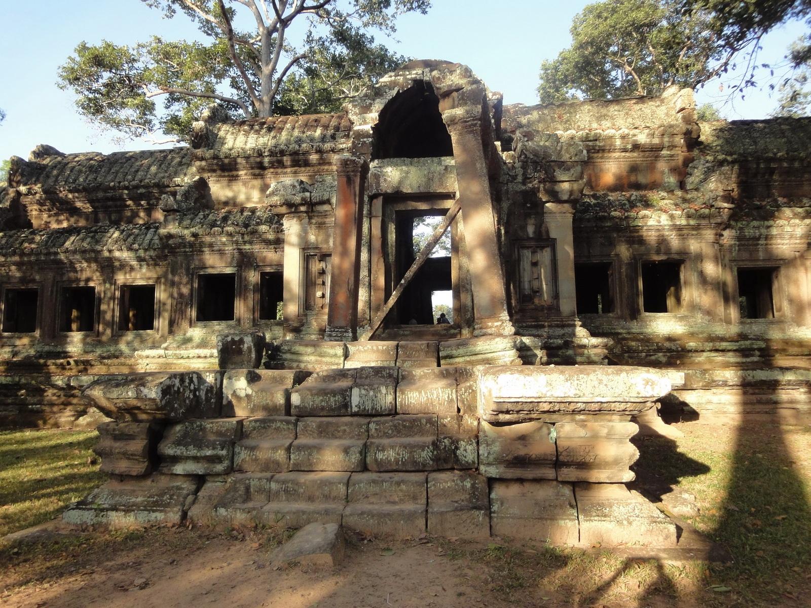 Angkor Wat approaches outer eastern Gopura Angkor Siem Reap 04