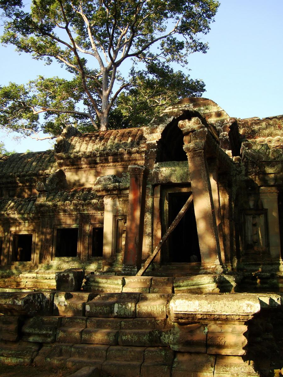 Angkor Wat approaches outer eastern Gopura Angkor Siem Reap 06