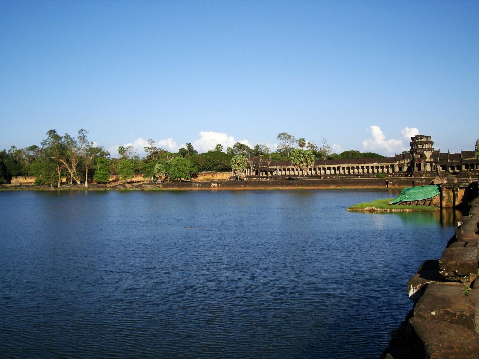 Angkor Wat approaches western Angkor Siem Reap 02