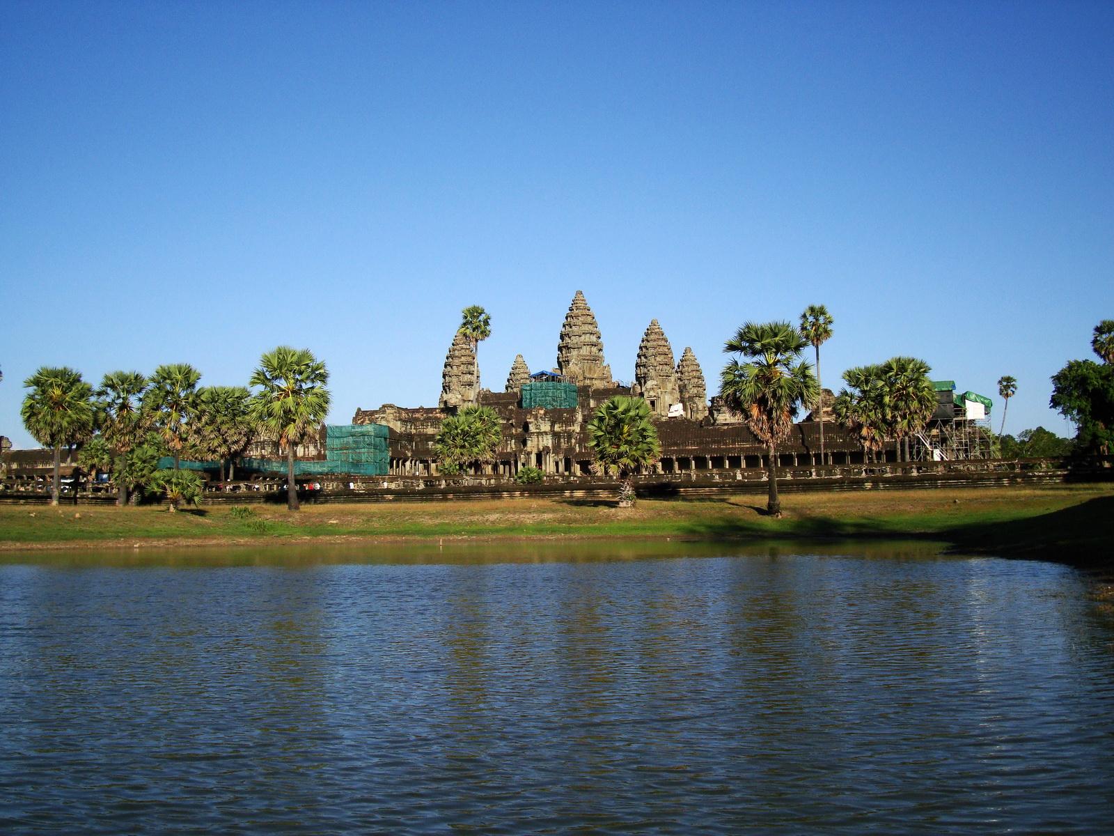 Angkor Wat approaches western Angkor Siem Reap 03