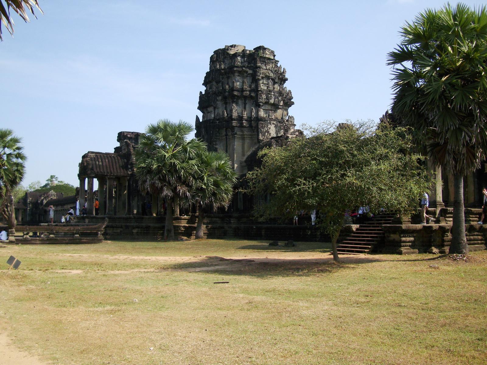 Angkor Wat panoramic views Western Gopura outside 07