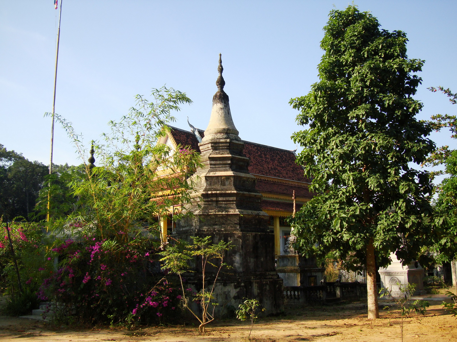 Buddhist monastery area Angkor Wat Seim Reap 01
