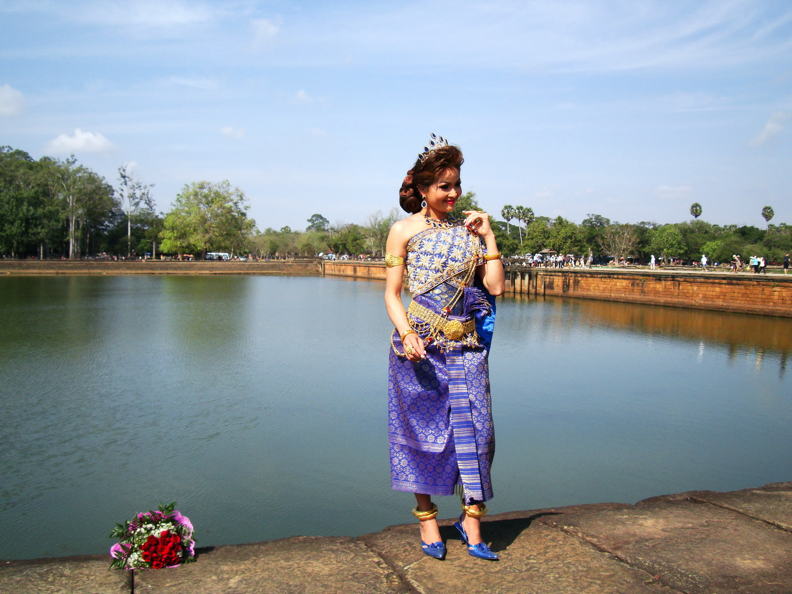 Traditional bride and groom fotos Angkor Wat Siem Reap Cambodian 06
