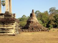 Asisbiz Angkor Wat Khmer architecture eastern gallery entrance 03