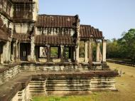 Asisbiz Angkor Wat Khmer architecture eastern gallery entrance 07