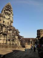 Asisbiz Angkor Wat Khmer architecture inner sanctuary E entrance 03