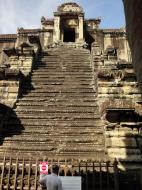 Asisbiz Angkor Wat Khmer architecture inner sanctuary E entrance 04