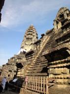Asisbiz Angkor Wat Khmer architecture inner sanctuary E entrance 09