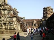 Asisbiz Angkor Wat Khmer architecture inner sanctuary E entrance 10