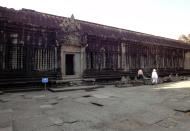 Asisbiz Angkor Wat Khmer architecture inner sanctuary courtyard 01