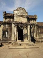 Asisbiz Angkor Wat Khmer architecture inner sanctuary courtyard 04
