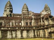 Asisbiz Angkor Wat Khmer architecture internal gallery E entrance 05