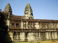 Asisbiz Angkor Wat Khmer architecture internal gallery E entrance 11