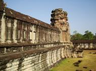 Asisbiz Angkor Wat Khmer architecture internal gallery E entrance 14