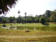 Asisbiz Angkor Wat SW area library pond looking south 01