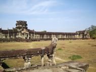 Asisbiz Angkor Wat Western Gopura inside looking northwest 01