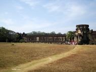 Asisbiz Angkor Wat Western Gopura inside looking southwest 02