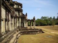 Asisbiz Angkor Wat Western Gopura inside looking west 09