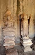 Asisbiz Angkor Wat inner sanctuary gallery Buddha relics 02