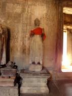 Asisbiz Angkor Wat inner sanctuary gallery Buddha relics 08