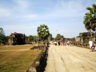 Asisbiz Angkor Wat looking down towards the Western Gopura 03