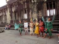 Asisbiz Angkor Wat modern day dancing apsaras 01