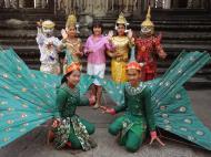Asisbiz Angkor Wat modern day dancing apsaras 04