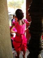 Asisbiz Traditional bridesmaid fotos Angkor Wat Siem Reap Cambodian 01