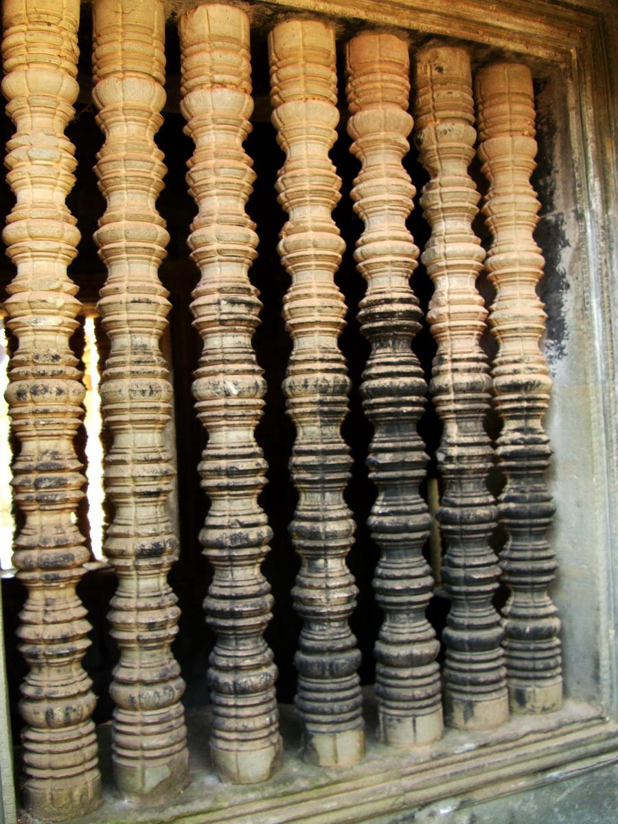 Angkor Wat Khmer architecture bas relief internal windows 01