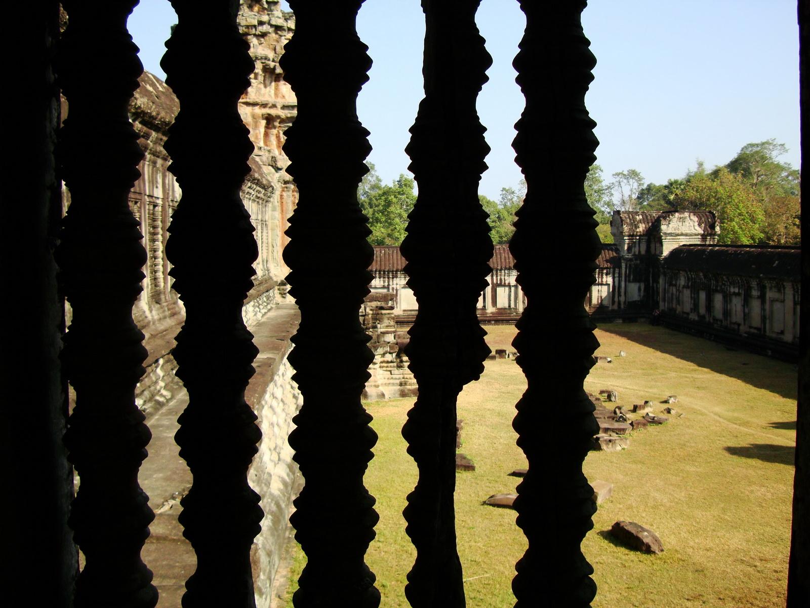 Angkor Wat Khmer architecture bas relief internal windows 04