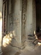 Asisbiz Angkor Wat Khmer architecture bas relief devatas Siem Reap 02