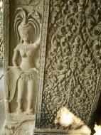 Asisbiz Angkor Wat Khmer architecture bas relief devatas Siem Reap 03