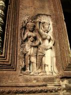 Asisbiz Angkor Wat Khmer architecture bas relief devatas Siem Reap 09