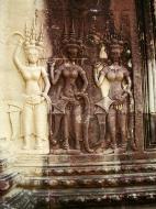 Asisbiz Angkor Wat Khmer architecture bas relief devatas Siem Reap 33