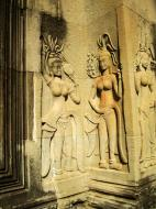 Asisbiz Angkor Wat Khmer architecture bas relief devatas Siem Reap 45