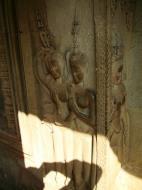Asisbiz Angkor Wat Khmer architecture bas relief devatas Siem Reap 73