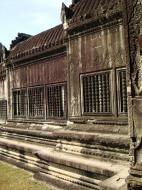 Asisbiz Angkor Wat Khmer architecture bas relief spirit windows 02