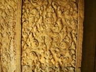 Asisbiz Decorative 12th ce Khmer Style bas relief carvings Angkor Wat 07